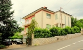 MATULJI - Samostojeća kuća sa tri stana