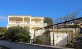 Povile, kuća od tri stana, garaža