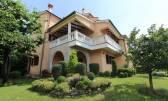 BREGI - Obiteljska kuća sa predivnom okućnicom