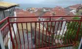Baška - prodajemo dio kuće i dvor 55m2 u staroj jezgri