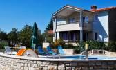 ISTRA, VODNJAN - Kuća za odmor s bazenom, garažom i konobom na lijepoj lokaciji