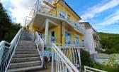 OPATIJA- kuća s 5 apartmana, otvoren pogled na more, garaža, velika okućnica, blizina centra