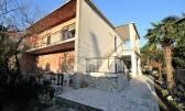 Jadranovo, kuća sa dva stana