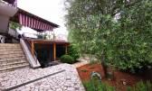 Samostojeća kuća sa tri stana okolica Dobrinja