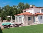Istra, Kaštel prekrasna villa sa bazenom