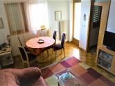 Umag - najuži centar, atraktivan stan na top lokaciji, 1. red do mora. Rijetkost u ponudi!