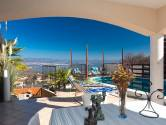 OPRIĆ- prekrasna luksuzna kuća sa bazenom i otvorenim pogledom na more