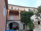 Crikvenica-Dramalj,kuća sa tri stana,konobom i vrtom!