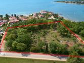 Istra, Novigrad, okolica građevinsko zemljište, vrhunske lokacije 1.red do mora