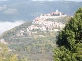 Motovun: Istarska kamena kuća s predivnim pogledom na Motovun