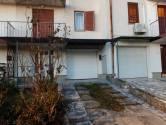 Čikovići-Kuća u nizu od 202m2 sa garažom,okučnicom i pogledom na more!