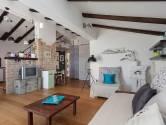 Rovinjsko selo, lijepo uređeni stan u visokom potkrovlju