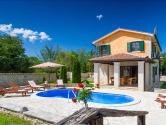 Poreč, okolica -  četverosobna Vila s bazenom i prekrasnom okućnicom