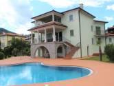 Einfamilienhaus/Wohnhaus Pobri, Opatija - Okolica, 350m2