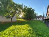 Šestine građevinsko zemljište 355 m2 sa starom kućom za rušenje