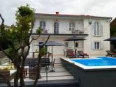 Novi Vinodolski, Klenovica, kuća sa bazenom udaljena 250 metara do plaže