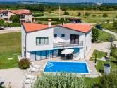 Moderna dizajnerska Villa sa bazenom u blizini Višnjana