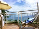 Novi Vinodolski, stan sa panoramskim pogledom na more udaljen 250 metara do plaže